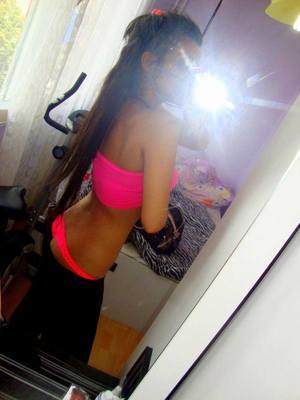 Glinda from  is looking for adult webcam chat