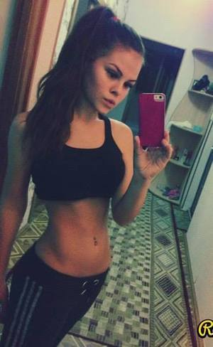 Effie is looking for adult webcam chat