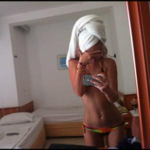 Marica from Poulsbo, Washington is looking for adult webcam chat