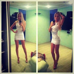 Belva from Woodinville, Washington is looking for adult webcam chat