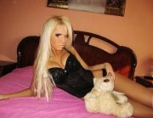 Looking for local cheaters? Take Liane from London, Kentucky home with you