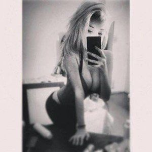 Claudie from Washington is looking for adult webcam chat